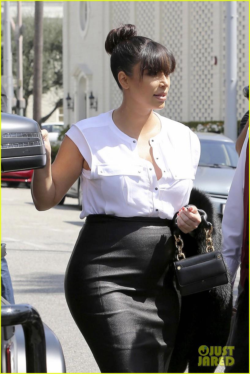 kim kardashian pregnant il pastaio lunch 07