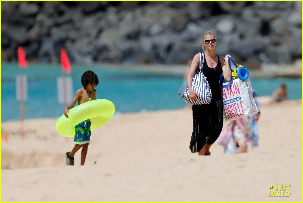 heidi klum martin kirsten beach picnic with the kids 14