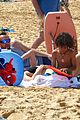heidi klum martin kirsten beach picnic with the kids 02