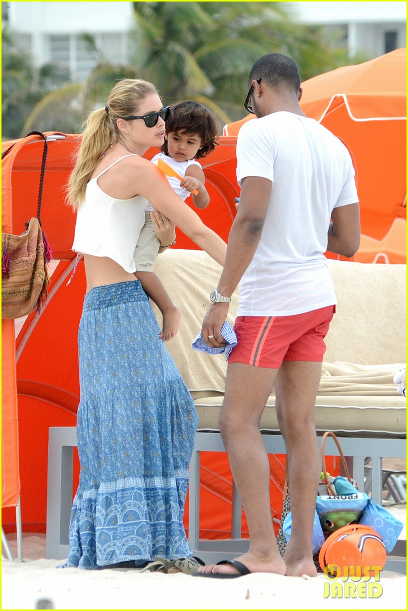 doutzen kroes sunnery james beach day with phyllon 13