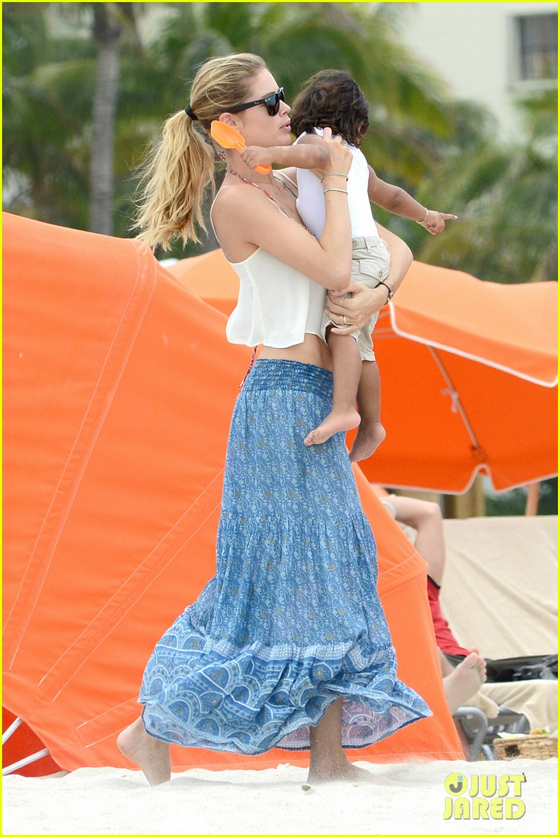 doutzen kroes sunnery james beach day with phyllon 21