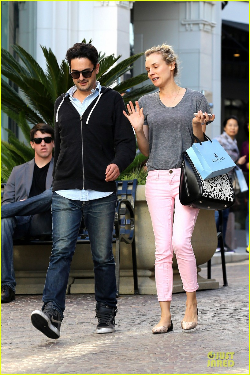 diane kruger pink shopping day 082829619