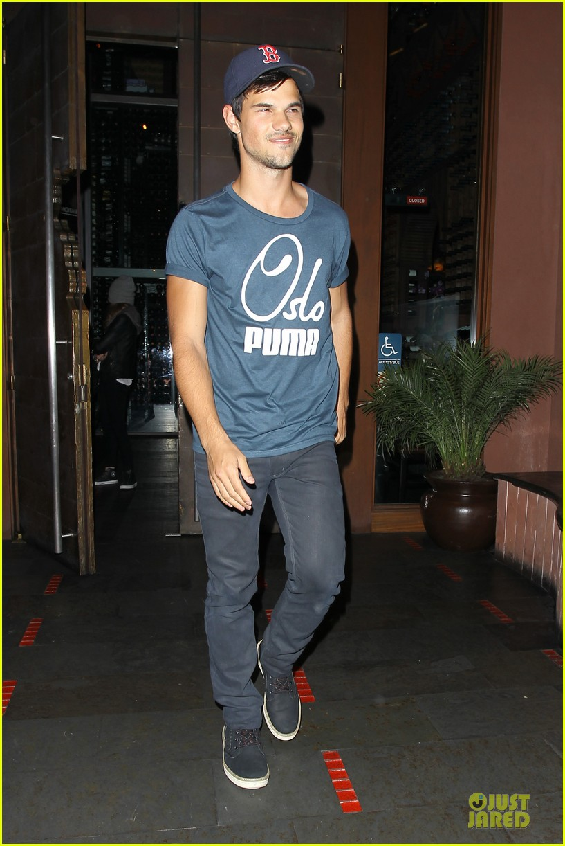taylor lautner ashley benson fogo de chao friday dinner 06