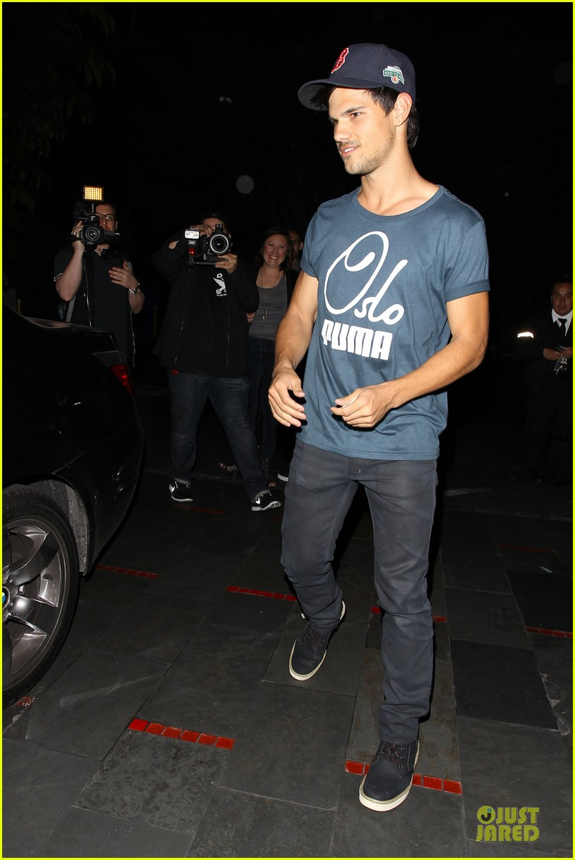 taylor lautner ashley benson fogo de chao friday dinner 13