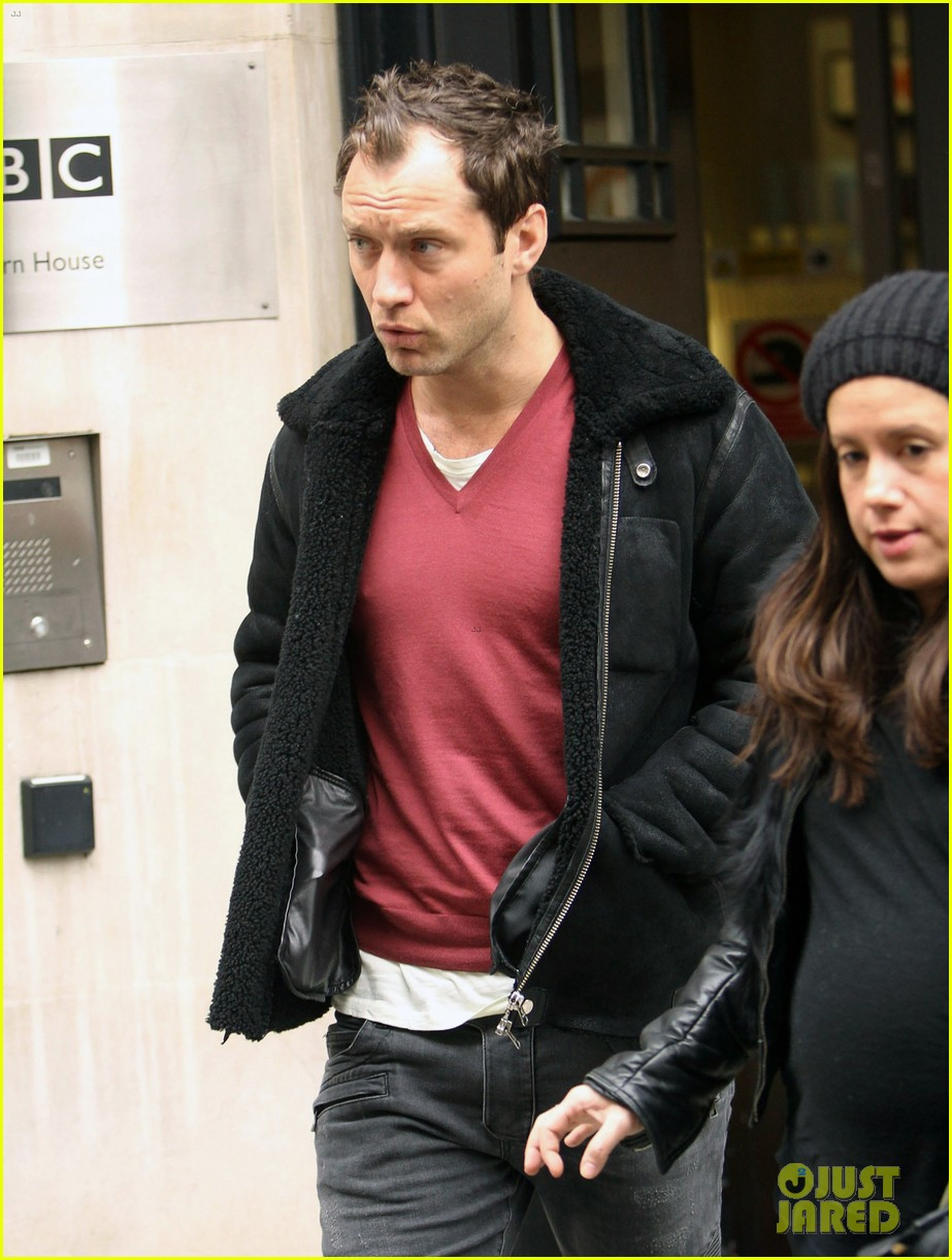 jude law bbc radio 2 stop 04