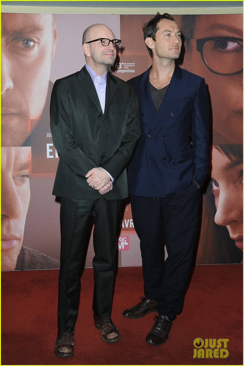 jude law side effects paris premiere 11