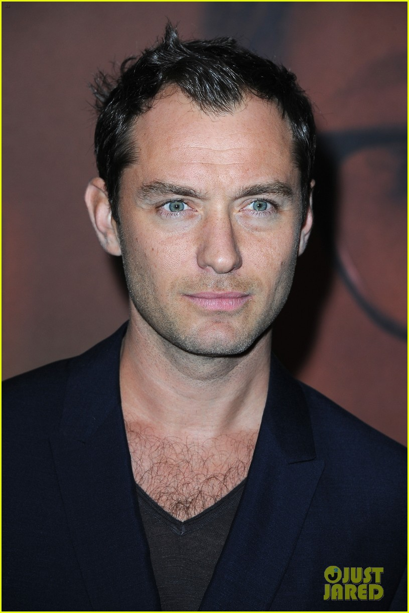 jude law side effects paris premiere 122826885