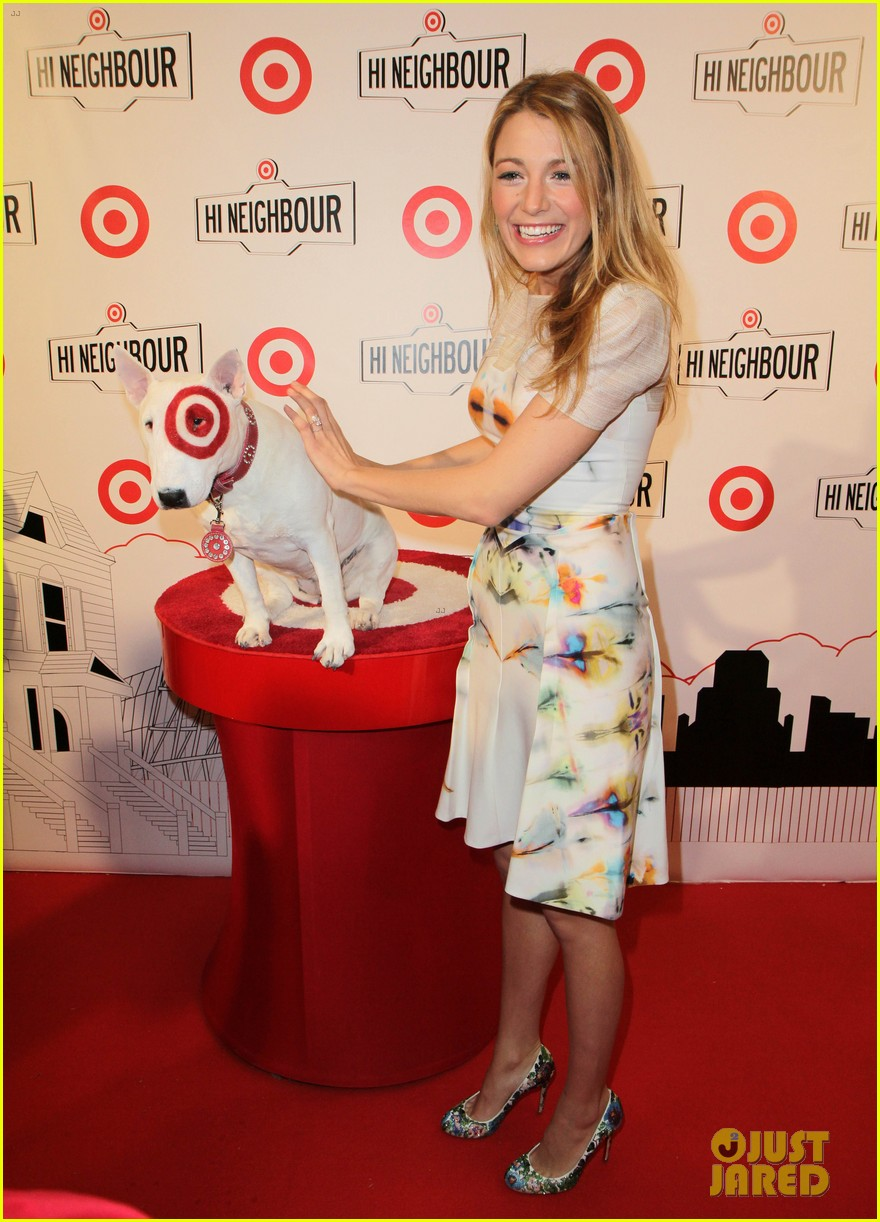 blake lively sarah jessica parker target launch in canada 022838834