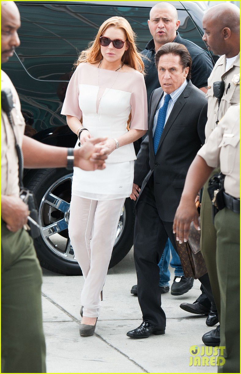 lindsay lohan takes plea deal rehab for 90 days no jail 102832913