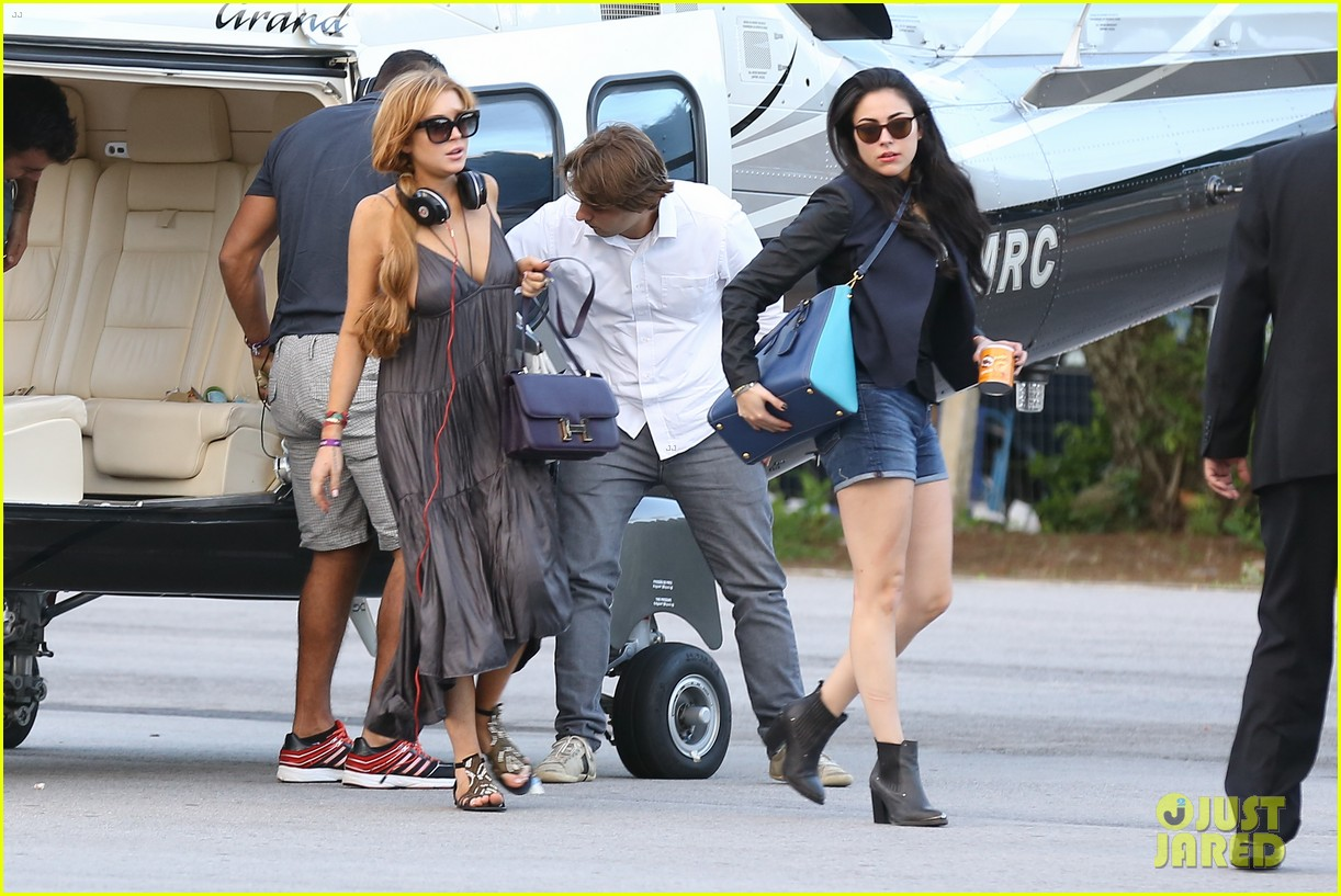 lindsay lohan helicopter ride dj night in brazil 292840835