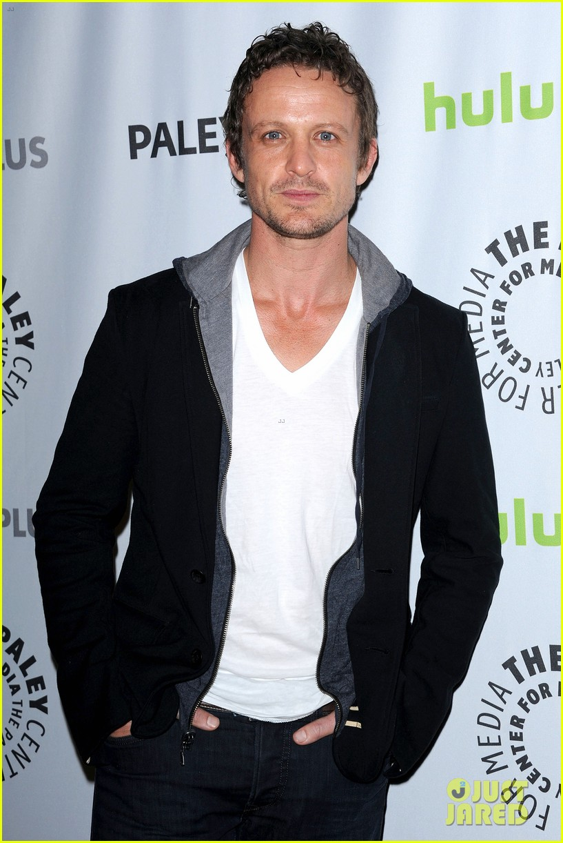 david lyons tracy spiridakos revolution paleyfest panel 10