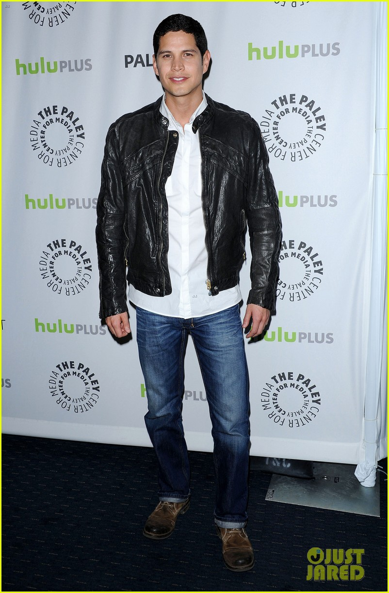 david lyons tracy spiridakos revolution paleyfest panel 142823976