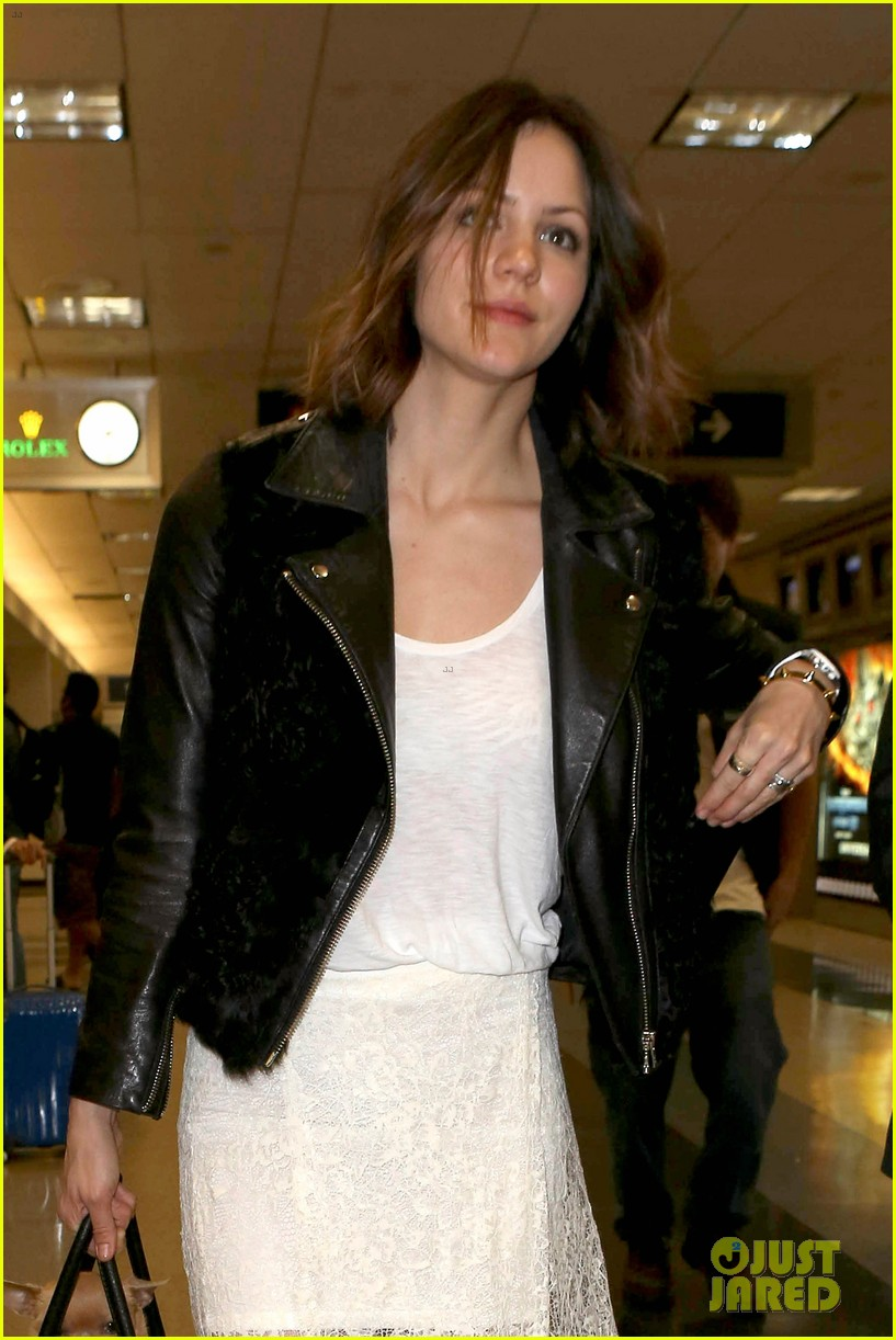 katharine mcphee double puppy purse at airport 132831784
