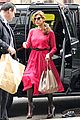 eva mendes lady in pink 07
