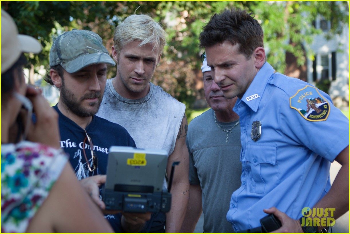 ryan gosling eva mendes new place beyond the pines stills 07