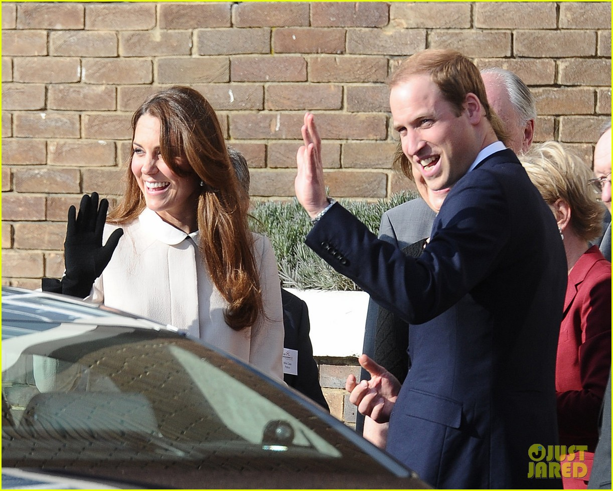 kate middleton pregnant child bereavment center visit with prince william 022833516