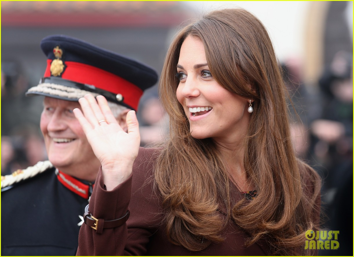kate middleton pregnant national fishing heritage center visit 10