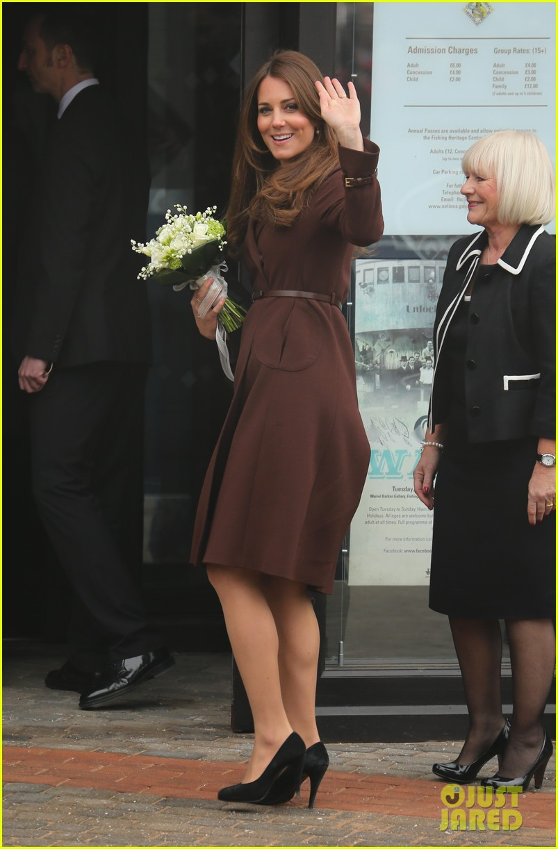 kate middleton pregnant national fishing heritage center visit 13
