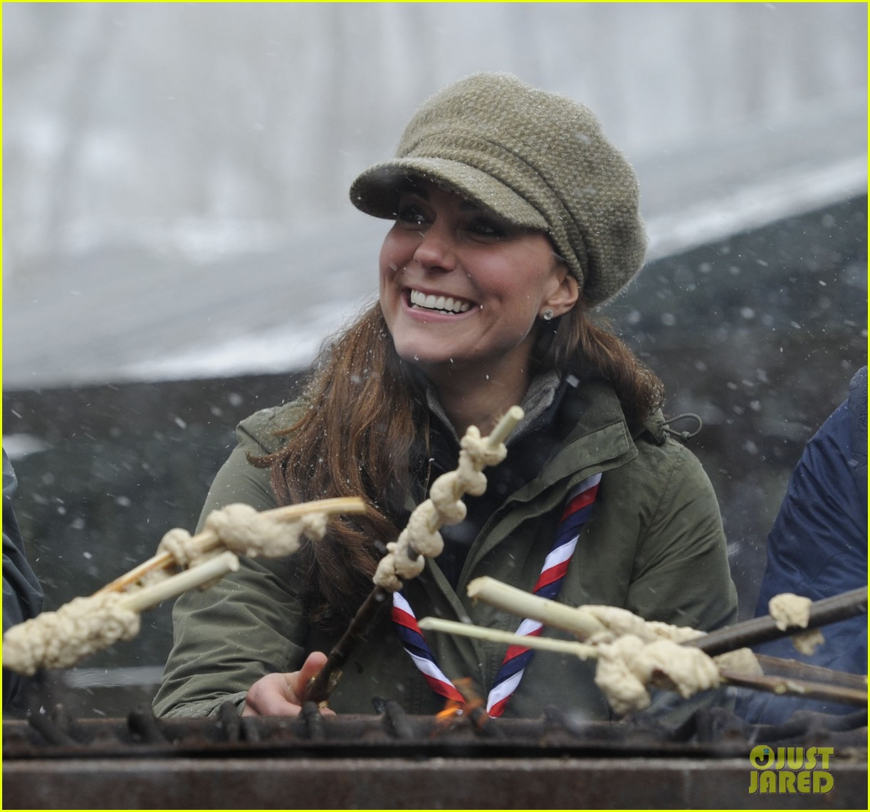 kate middleton pregnant great tower scout camp visit 12