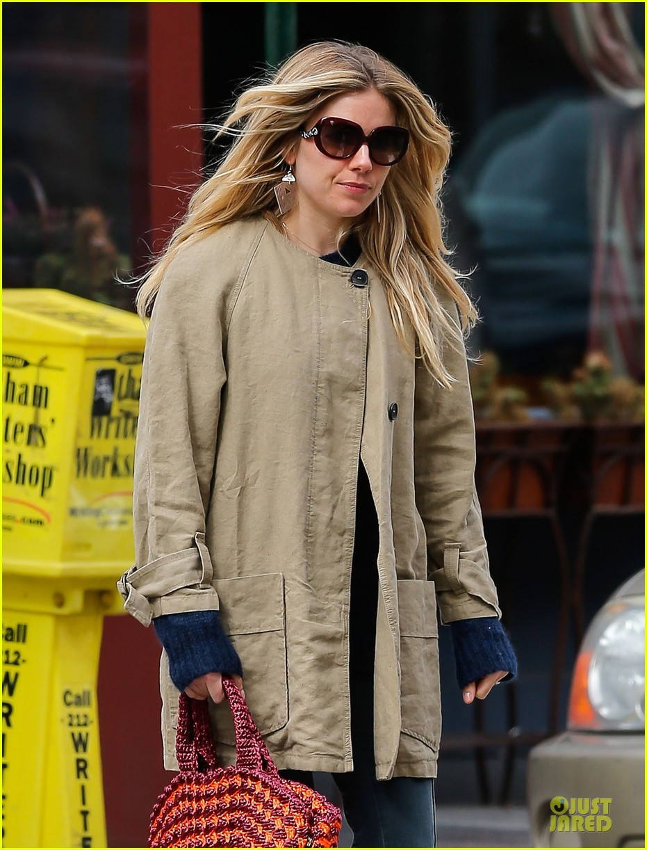 sienna miller leopard print stroll without marlowe 06