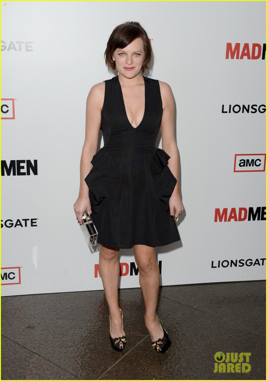 elisabeth moss christina hendricks mad men premiere 03