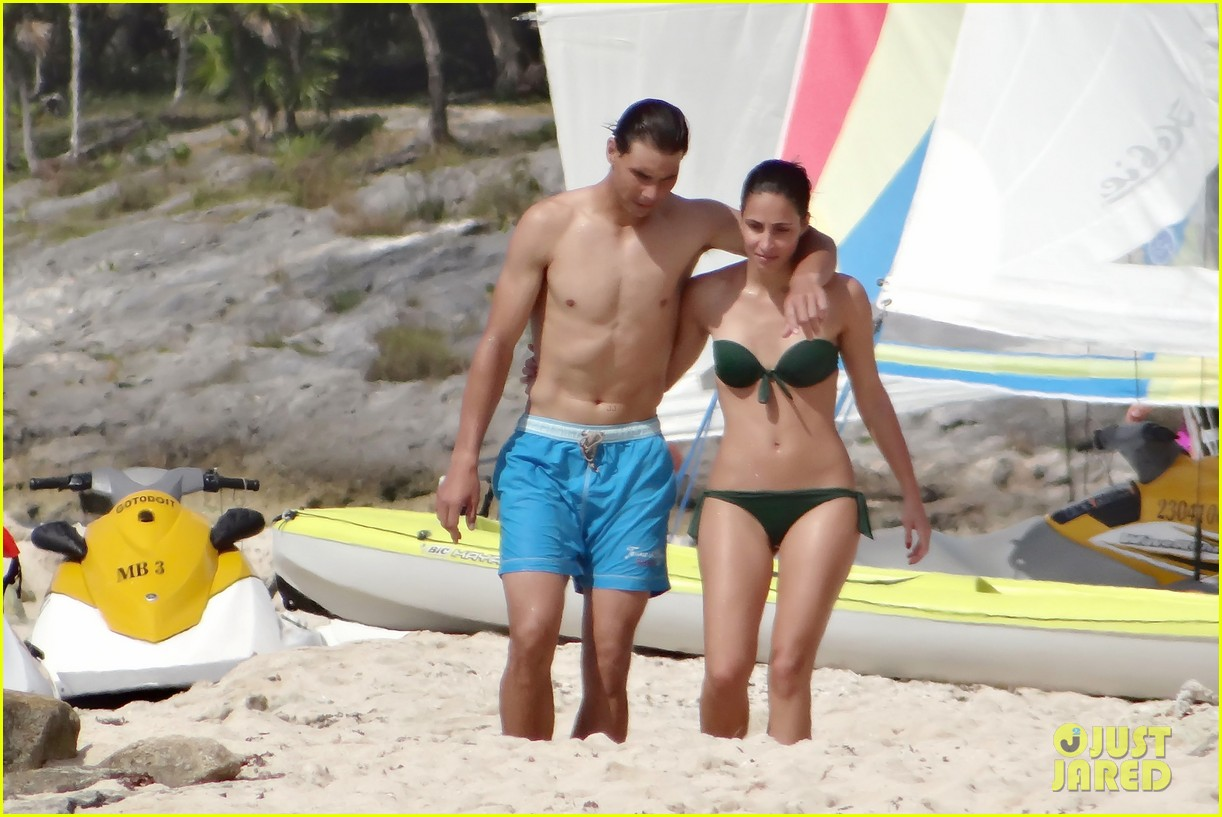 Full Sized Photo Of Rafael Nadal Shirtless Beach Vacation With Maria Perrello 21 Photo 2826129 Just Jared