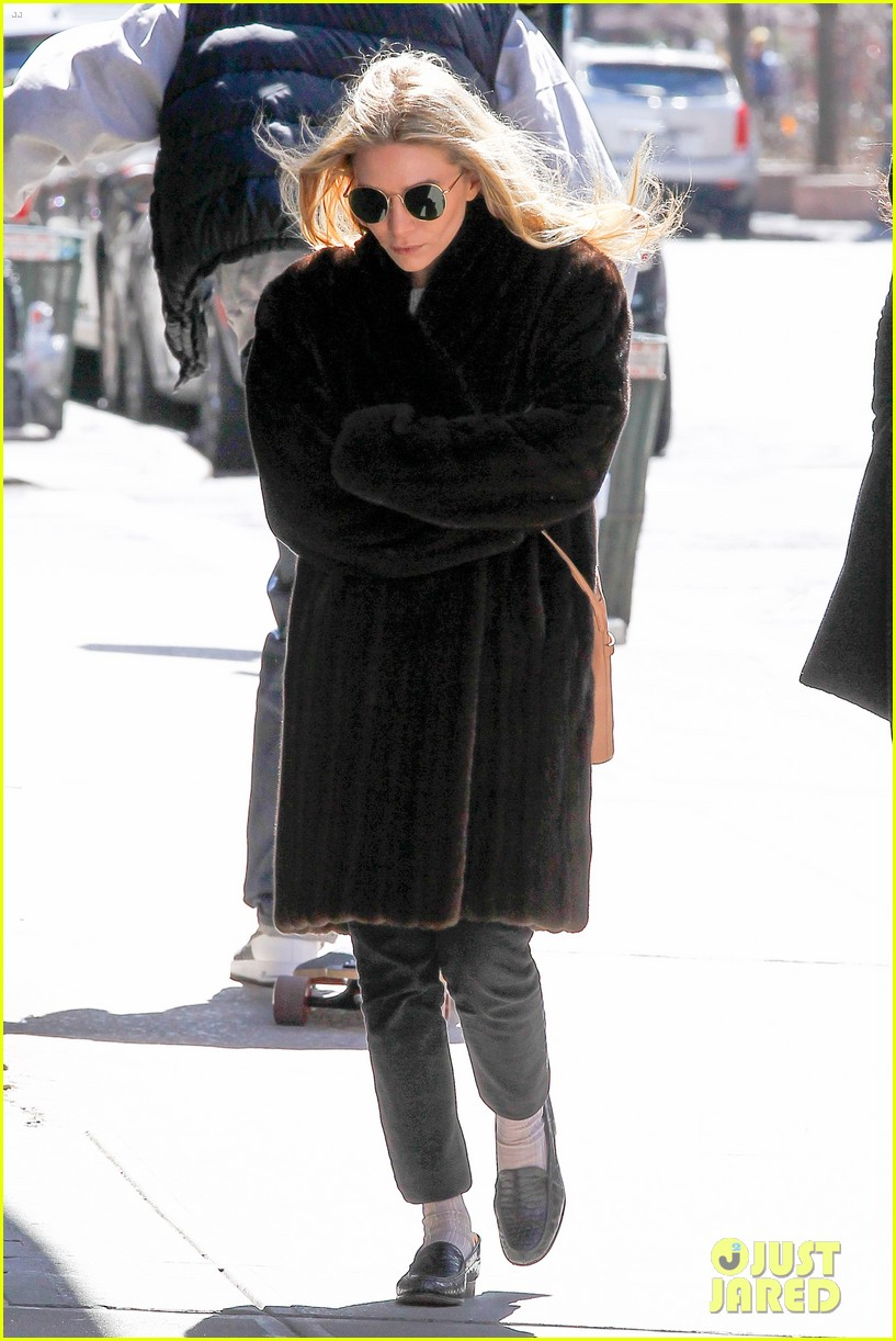 ashley olsen windy nyc errands 10