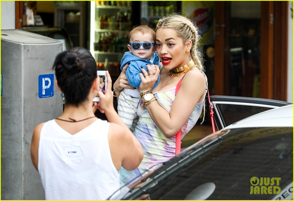 rita ora shopping in sydney 04
