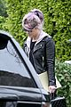 kelly osbourne steps out post seizure hospitalization 02