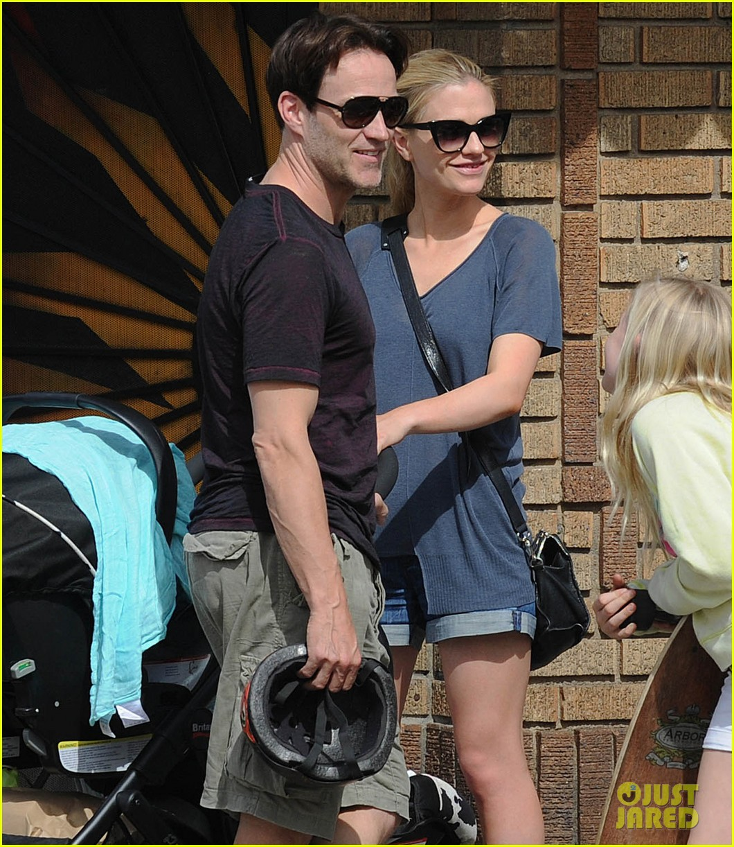 anna paquin stephen moyer abbot kinney with the family 05