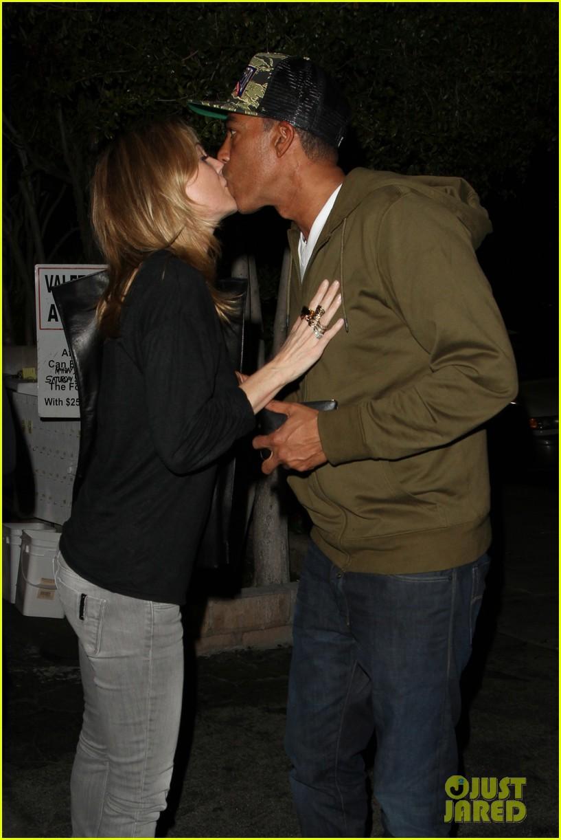ellen pompeo chris ivery date night kisses 062830428