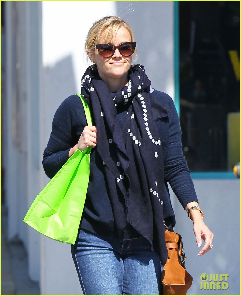 reese witherspoon sunday shopping spree 02