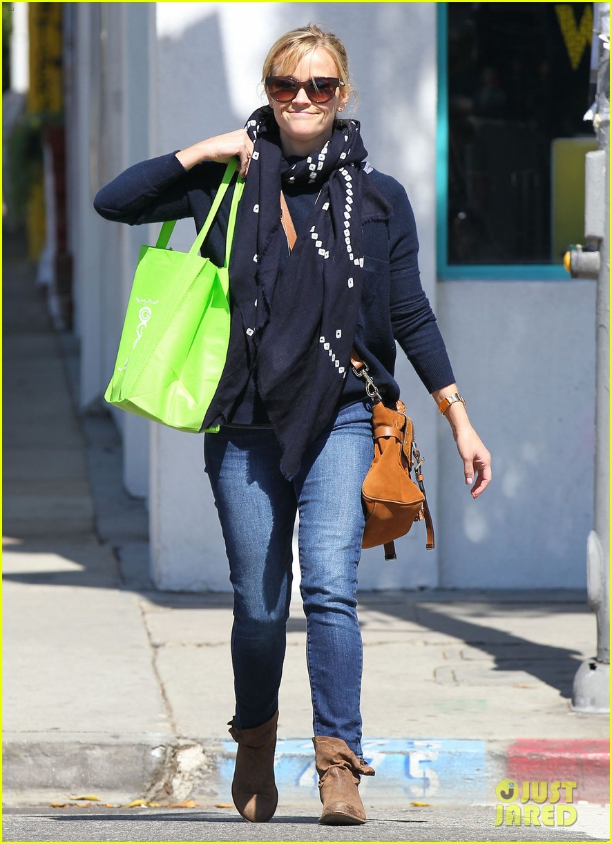 reese witherspoon sunday shopping spree 03