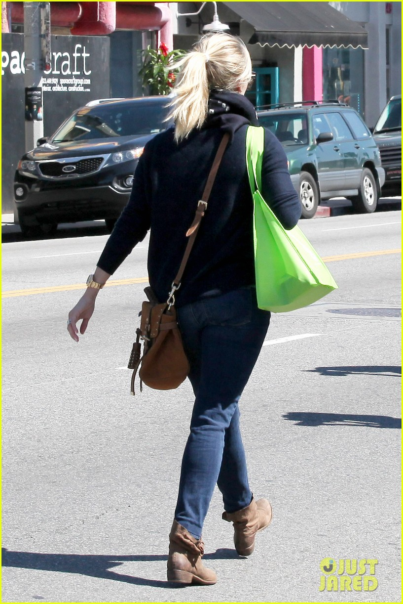 reese witherspoon sunday shopping spree 05