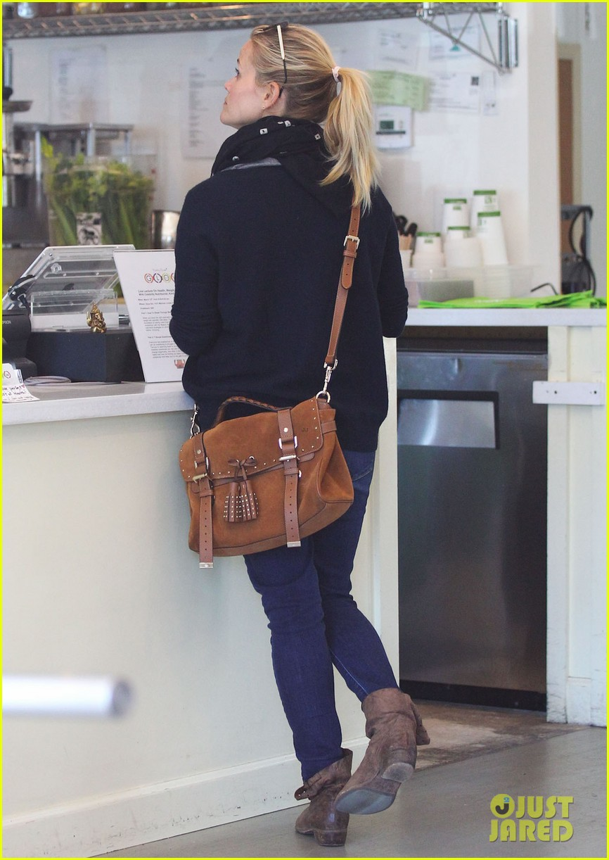 reese witherspoon sunday shopping spree 10