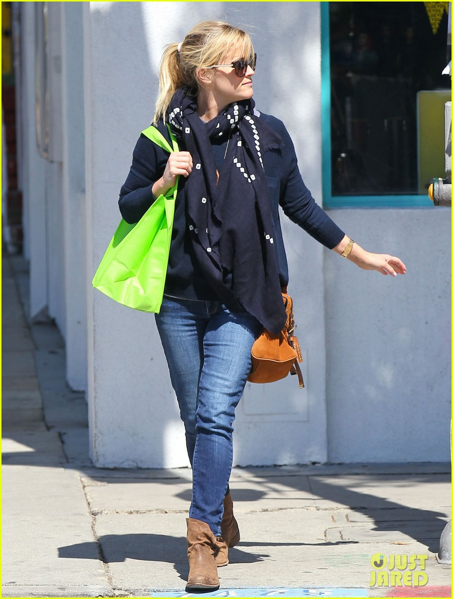 reese witherspoon sunday shopping spree 16