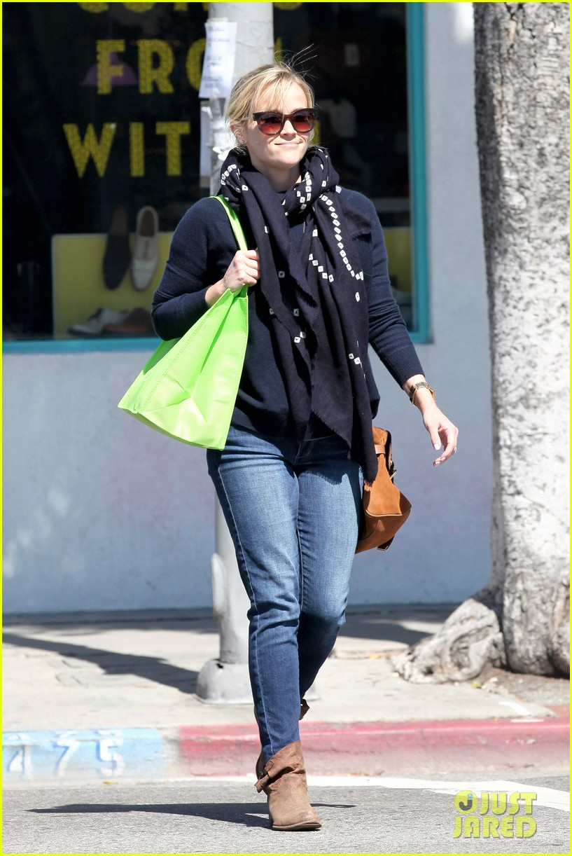 reese witherspoon sunday shopping spree 25