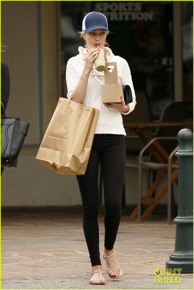 rosie huntington whiteley healthy juice run 16