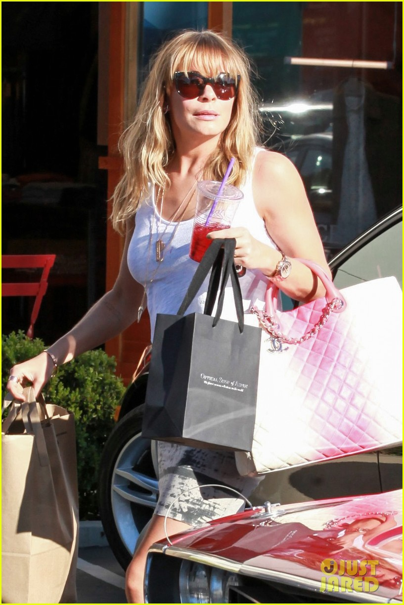 leann rimes malibu country mart retail therapy 08