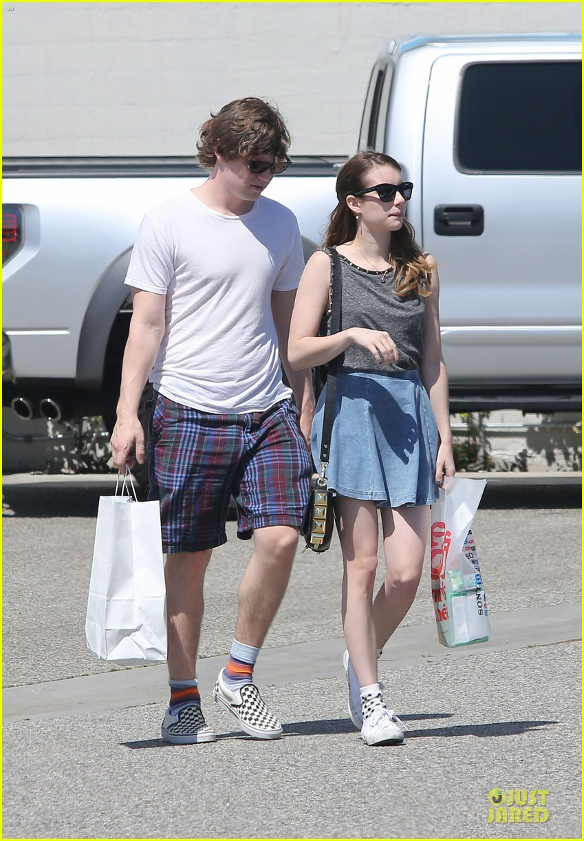emma roberts evan peters samys camera couple 01