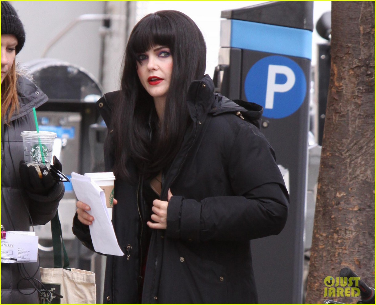 Keri Russell: Long Black Wig for 'The Americans'!: Photo ...