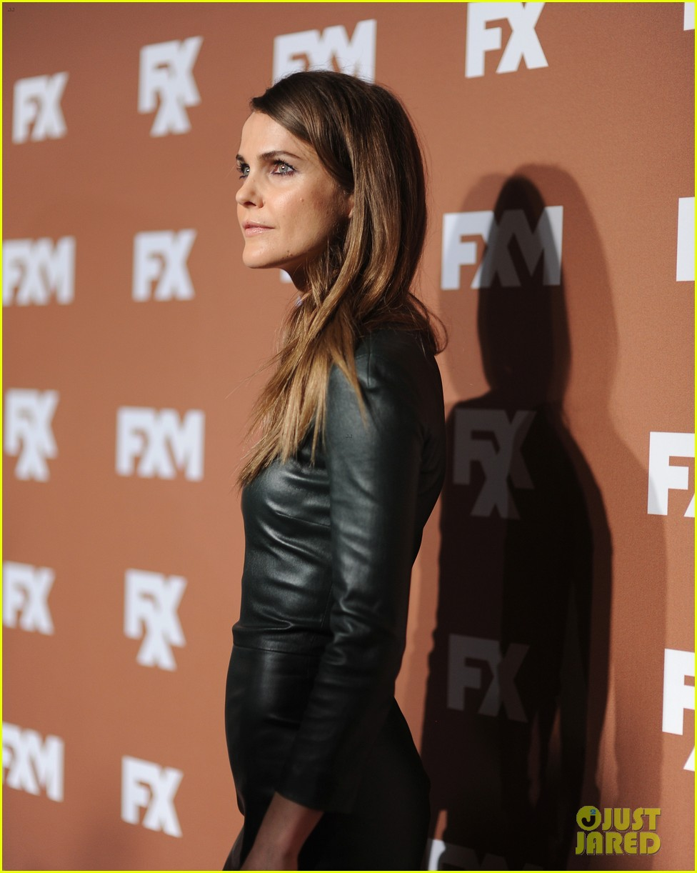keri russell charlie hunnam fx upfront bowling event 17
