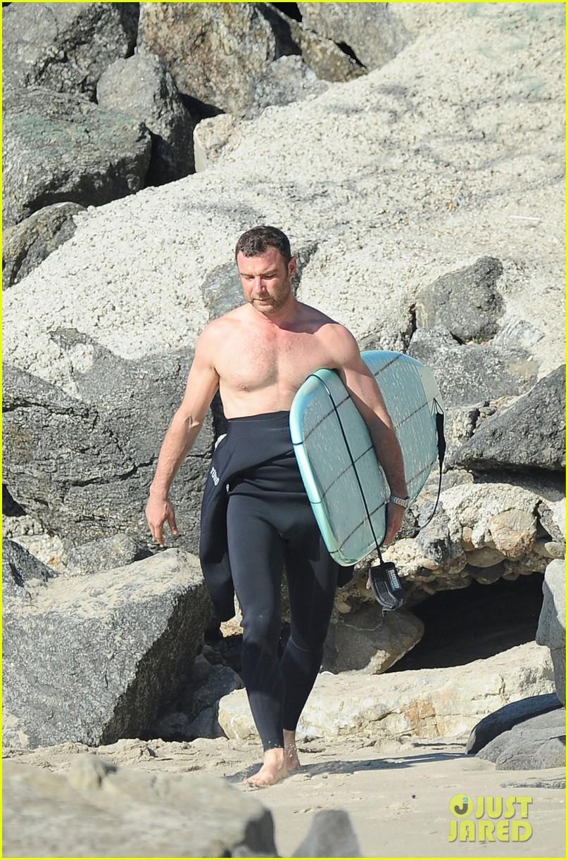 liev schreiber shirtless surfing stud 082823523