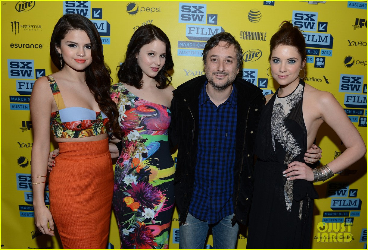 selena gomez ashley benson spring breakers sxsw premiere 11