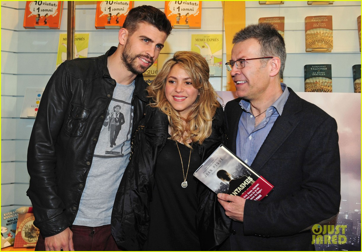 shakira gerard pique fantasme book launch 052830977