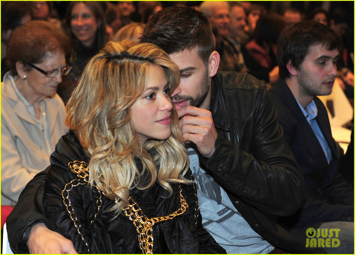 shakira gerard pique fantasme book launch 072830979