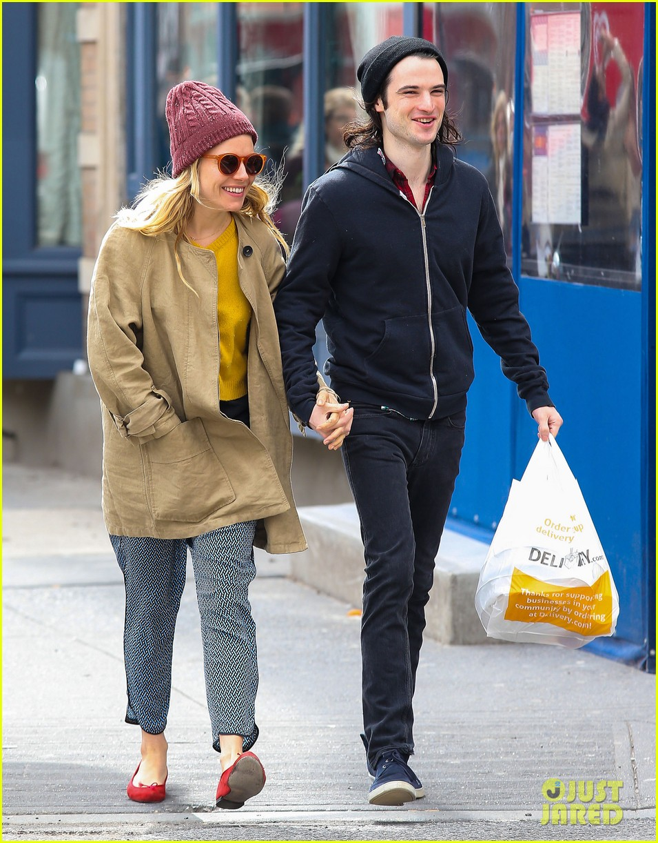 sienna miller tom sturridge hold hands in nyc 012840293