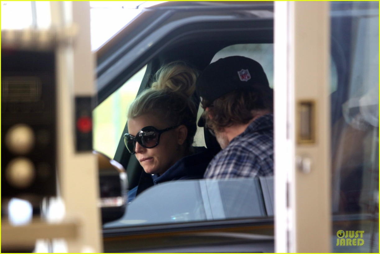 jessica simpson fewer cravings in second pregnancy 06