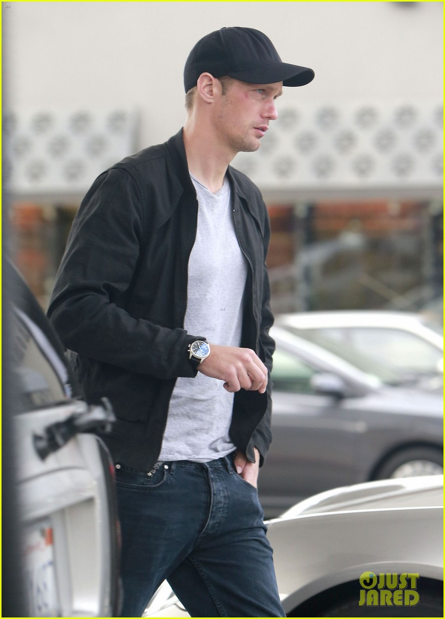 alexander skarsgard bruised eye in los angeles 06