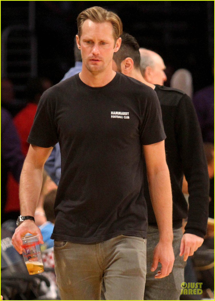 alexander skarsgard lakers game spectator 06